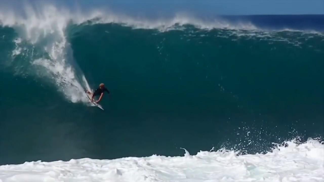 los-straitjackets-surf-rider-johann-aguirre