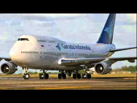 Pesawat Garuda Indonesia Keluar Landasan di Lombok