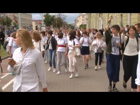 Corriere della Sera: Bielorussia, la manifestazione pacifica di centinaia di donne