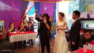 Em họ cô dâu biểu diễn ảo thuật điêu luyện |