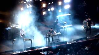 Nine Inch Nails featuring Gary Newman - Cars @ O2 Arena 2009 (Wave Goodbye)