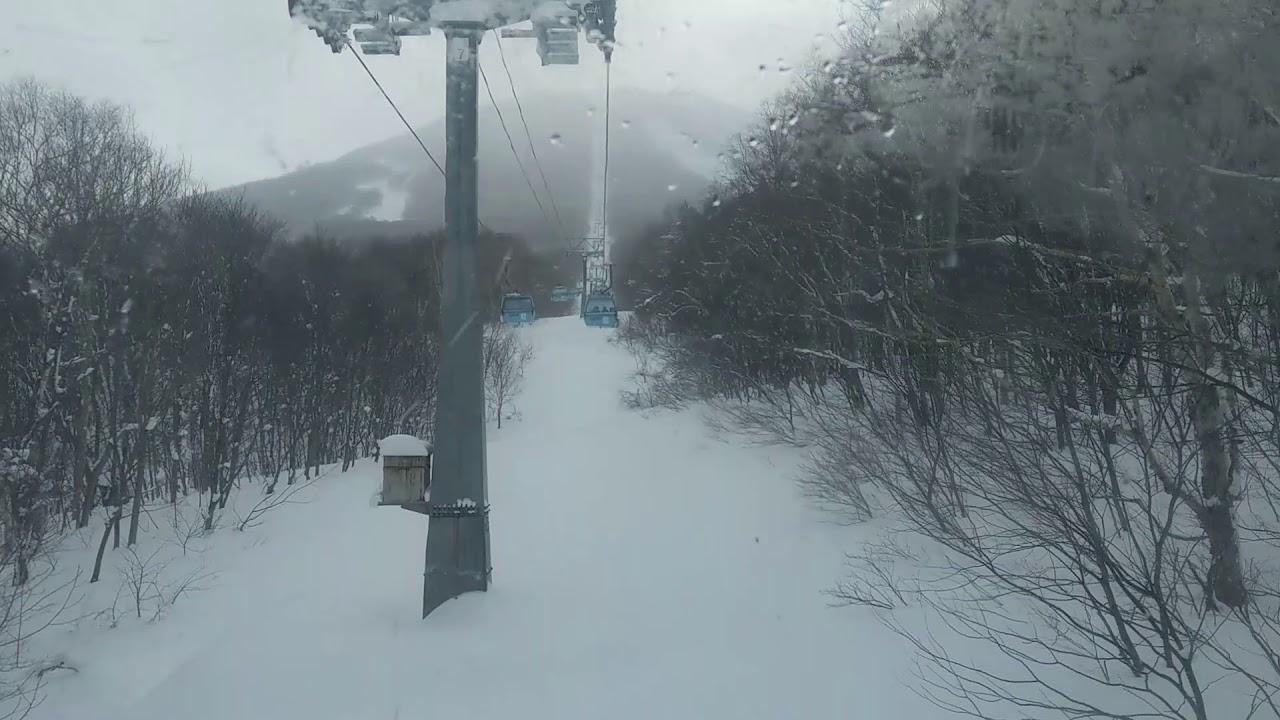 安比高原滑雪-搭中央纜車上山 - YouTube
