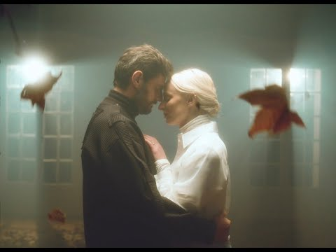 Смотреть клип Madame Monsieur - Prochain Soleil