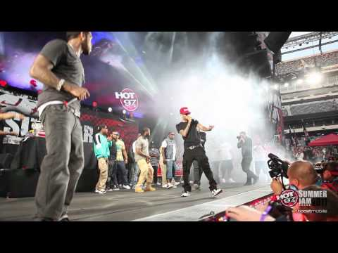 "LLOYD BANKS - ""Start It Up"" - Live at Summer Jam 2011"