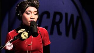 "Yuna performing ""Falling"" Live on KCRW"