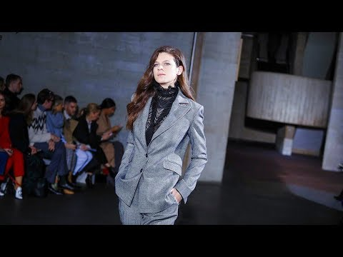 Roland Mouret | Fall Winter 2018/2019 Full Fashion Show | Exclusive