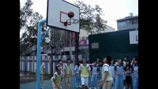 體育教學_籃球打板接力_享受團隊合作成功的喜悅