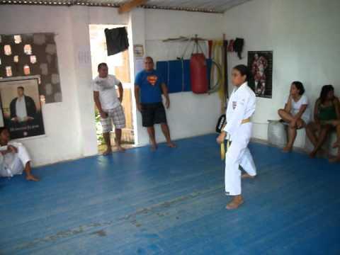Bushi Dojo Kyokai-Sarah Exame Karate