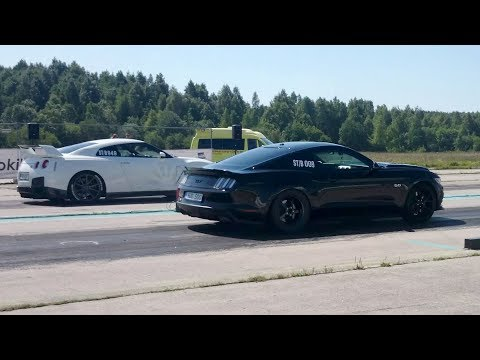 Nissan GT-R R35 vs 2017 Ford Mustang GT 5.0 Supercharged 1/4 mile drag race