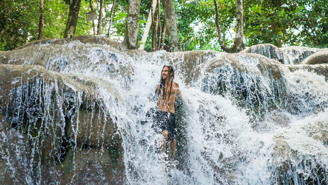 CLIMBING TROPICAL WATERFALL - Fun For Louis Map