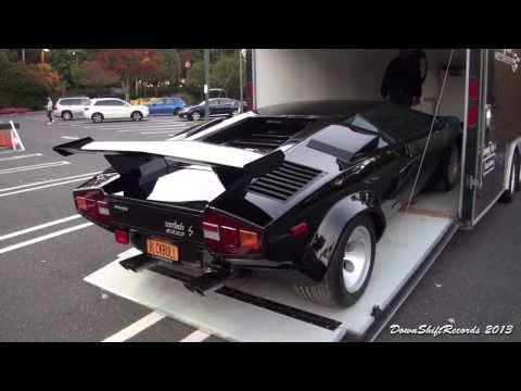 Unloading Lamborghini Countach LP 500S