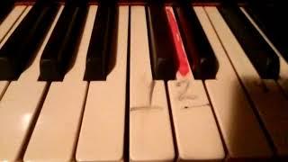 Как  ЛЕГКО научиться играть  на пианино В лесу РОДИЛАСЬ ЕЛОЧКА Без знания НОТ  за 5 минут!