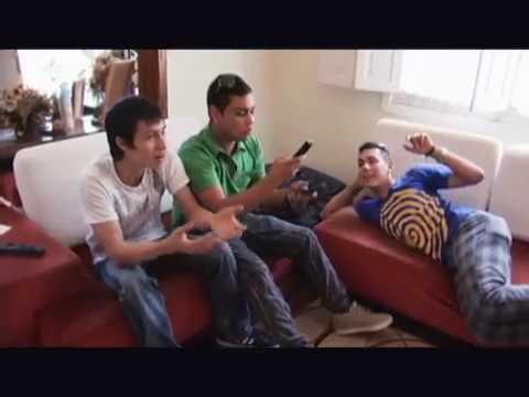 Dash y Cangri reaccionan ante su video clip | Perla