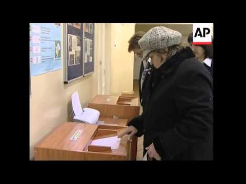 WRAP Polls open in Vladivostok, Moscow