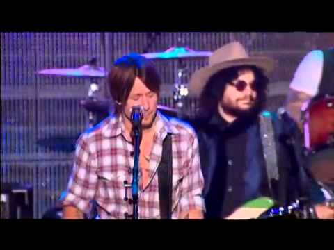Rockin In The Free World - Fogerty  tribute to  Neil Young MusiCares awards