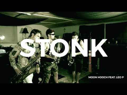 Смотреть клип Moon Hooch Ft. Leo P - Stonk