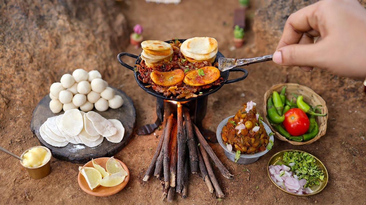 Ultimate Chole Kulche Making   Indian Street Food   Mayapuri Ke Cholay Matar Kulche   The Tiny Foods