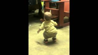 14 month old dancing to jawga boyz get out my way