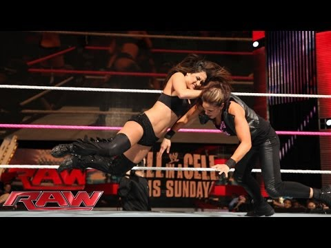 The Bella Twins vs. AJ Lee & Tamina: Raw, Oct. 21, 2013 thumbnail