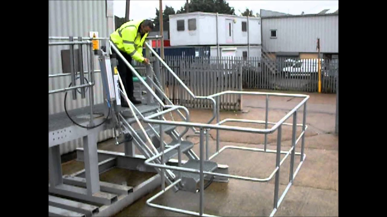 Safe Tanker Access Folding Stairs With Air Power For