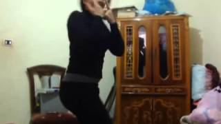 رقص مصري بنت في ثانوي