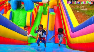 Download Video Naik Istana Balon Doraemon Odong odong Mainan Anak baju mickey mouse Kids Pool Fun Baloons Castle MP3 3GP MP4