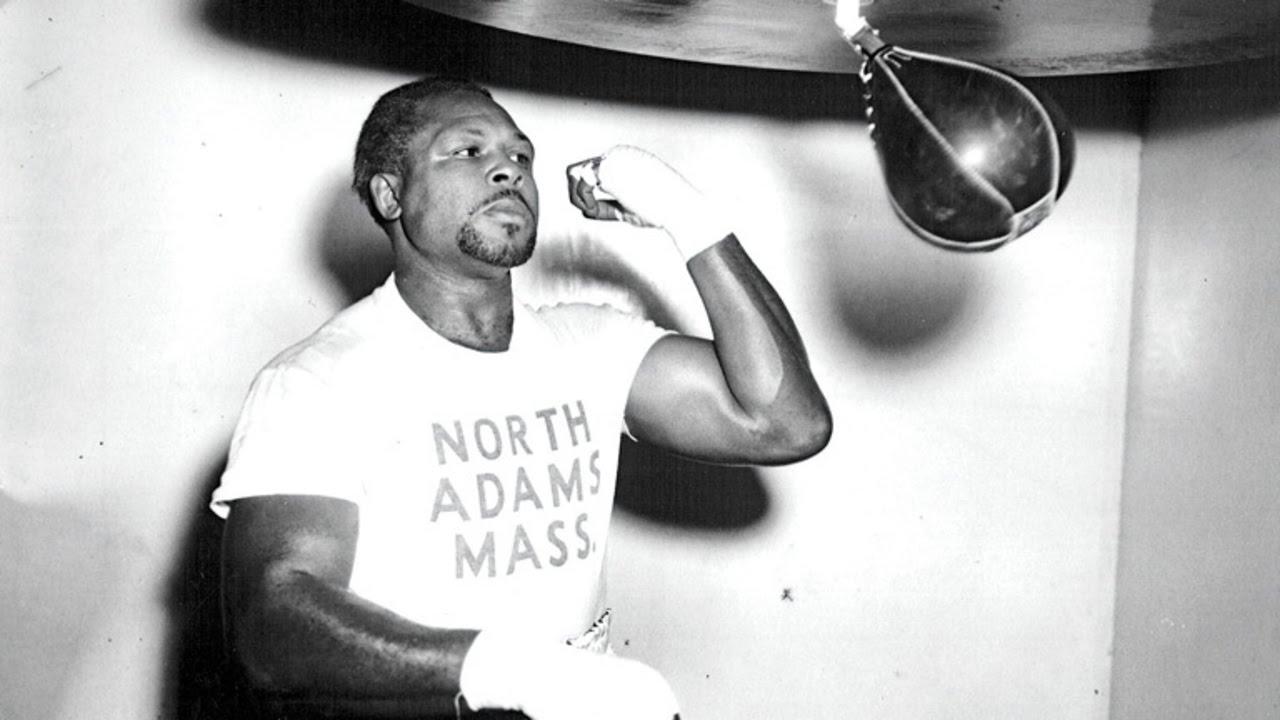 Năm Hợi trong quá khứ: Archie Moore, bị hoãn 10 năm tranh đai chỉ vì da đen.