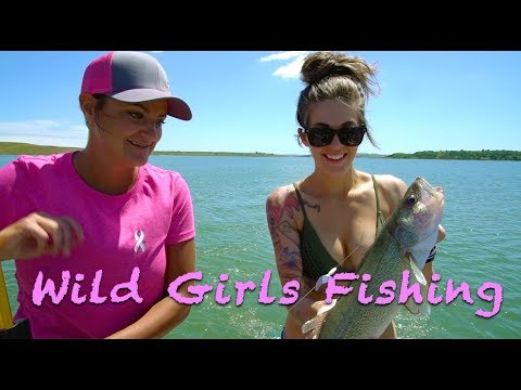Wild Dakota Girls Walleye Fishing