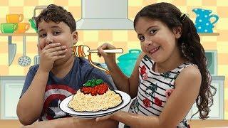 MARIA CLARA É A MINHA BABÁ POR UM DIA!!! Pretend to play nanny!!!