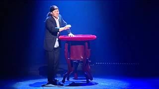 Oskar Freysinger par Yann Lambiel - Les bananes bleues