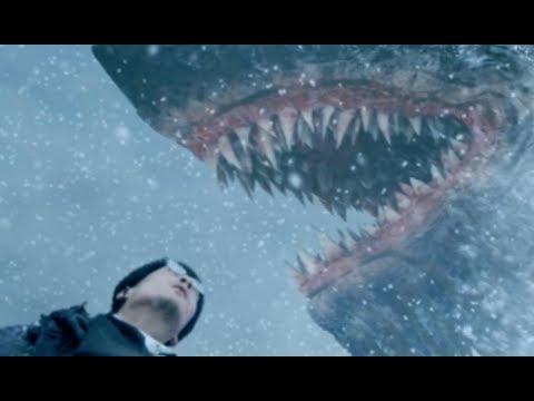 毛茸茸的怪物电影,为了躲避陆地上的鲨鱼,人类变成怪物的臣民