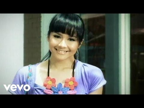 Gita Gutawa - Aku Cinta Dia (Video Clip)