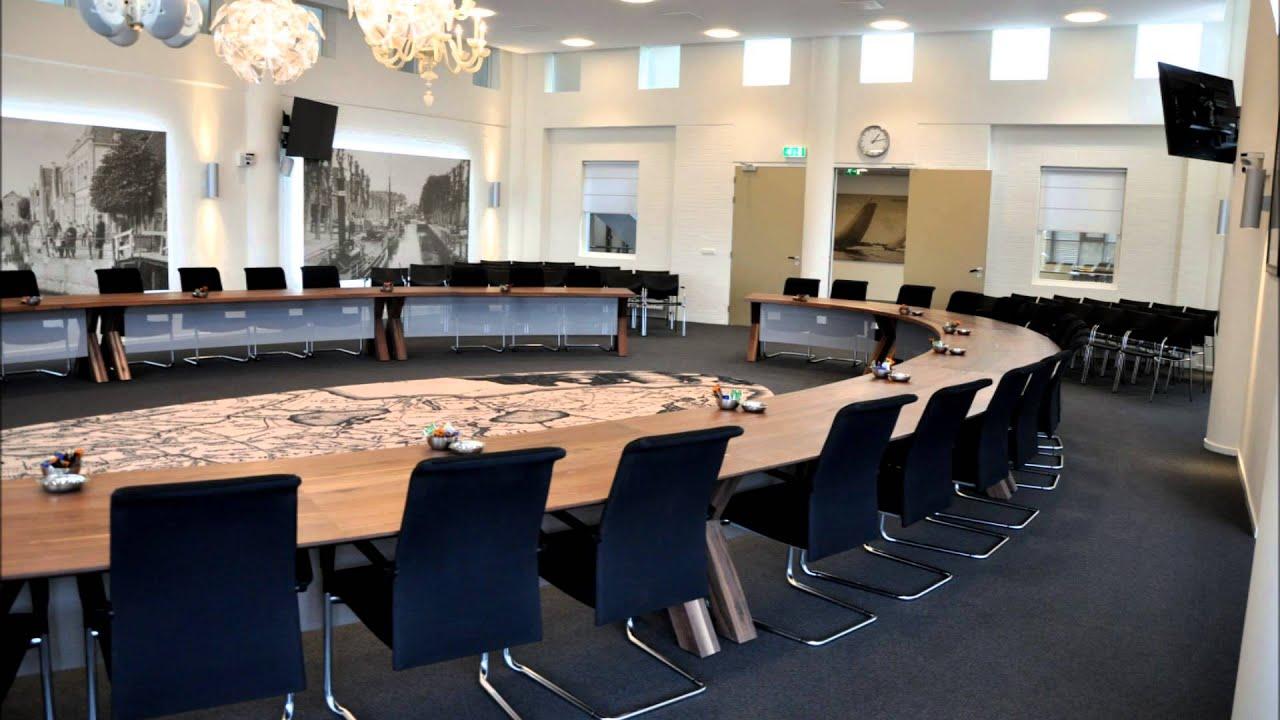Gemeentehuis Fryske Marren Joure Raadzaal tafel door ...