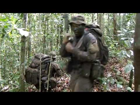 LRRPC - Brunei RGR recce section contact drills