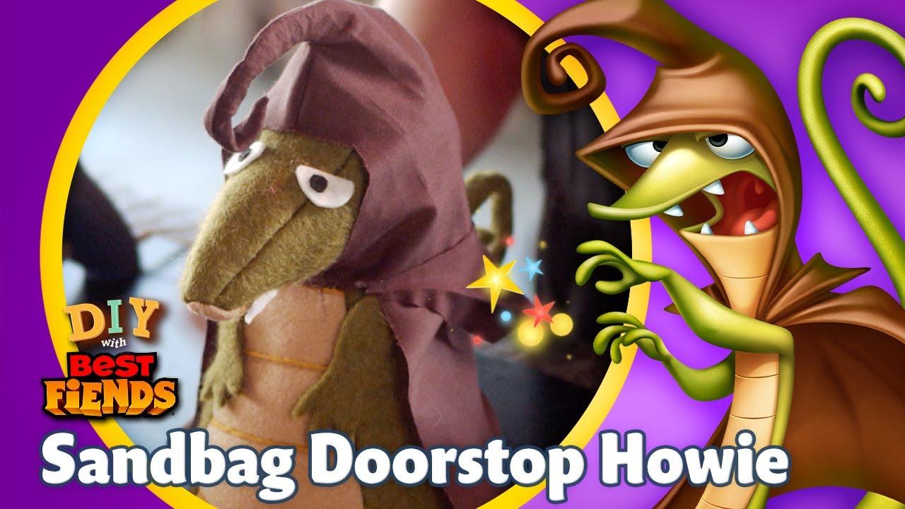 S2 E5: DIY Sandbag Doorstop Howie