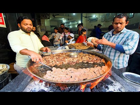 Muslim Street Food in INDIA – TUNDAY KEBAB + MUGHLAI Food in Lucknow!! CRAZY Indian Street Food