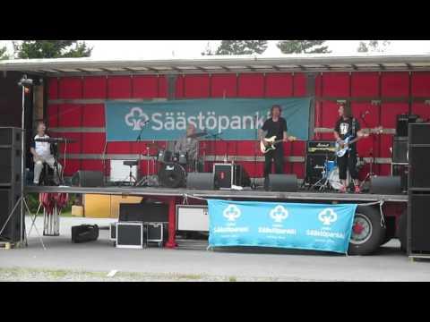 Wrum - Juureton ruusunen (live)