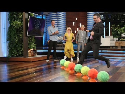 Michael Phelps, John Oliver, & Kristen Bell Play 'Foot Flickers'