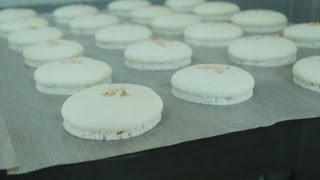 French Macaron: How To Make Macaron Shell (green Tea And Salted Caramel)
