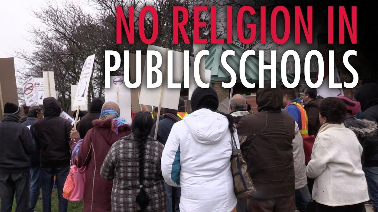 Parents protest Islamic prayer in public school - YouTube