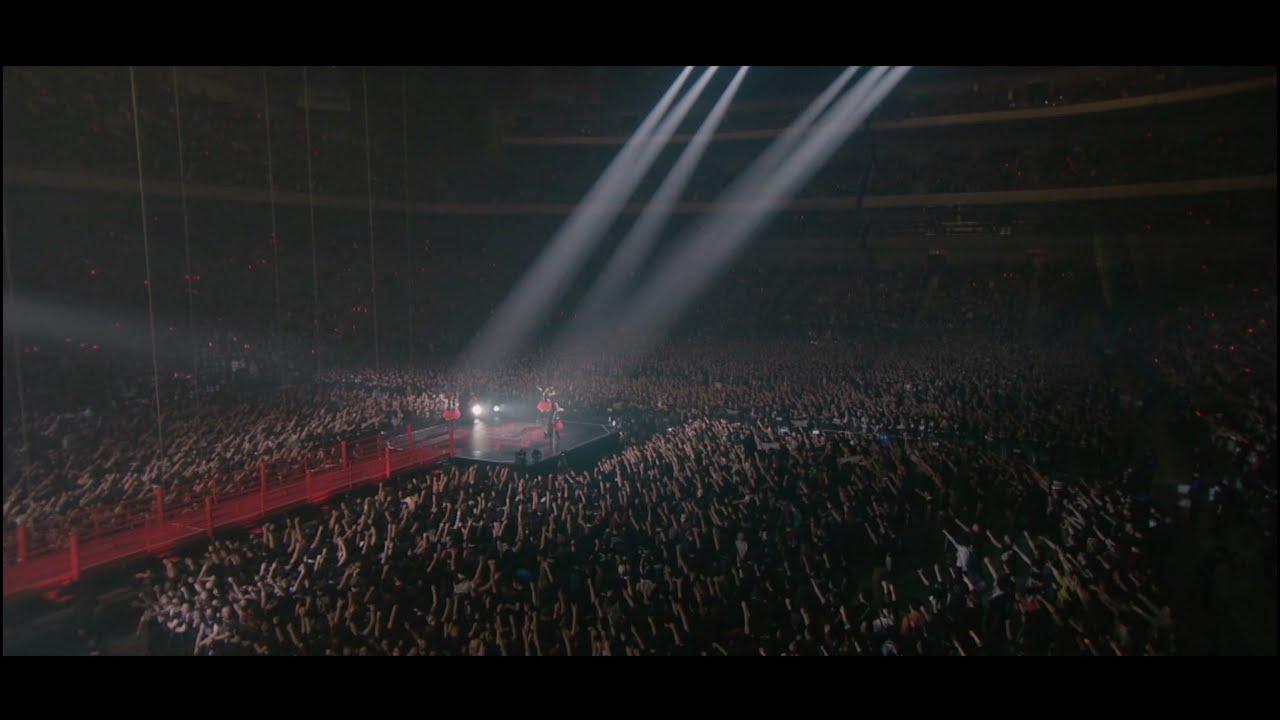 BABYMETAL - Road of Resistance - Live in Japan