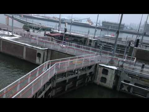Uitvaart Middensluis Oranjesluizen Schellingwoude