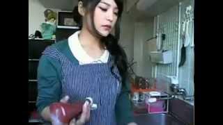 片桐えりりか 久々に料理枠  有り得ない物が出来上がります thumbnail