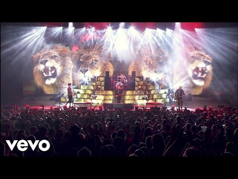 Fall Out Boy - Centuries (Boys Of Zummer Live In Chicago)