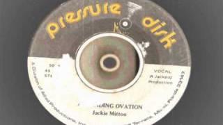 Play Standing Ovation
