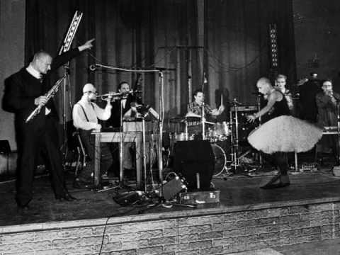 KIXX  GRUPPE FINE  LIVE IN EAST BERLIN 1987.  BEWARE THE SUBTITLES.
