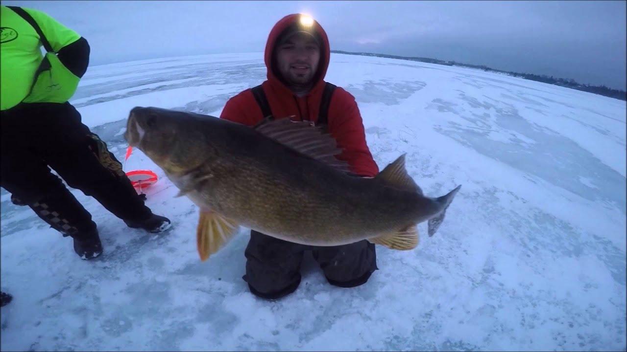 Little bay de noc walleyes 1 30 16 youtube for Bay de noc fishing report