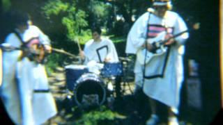 Play Velvet Days