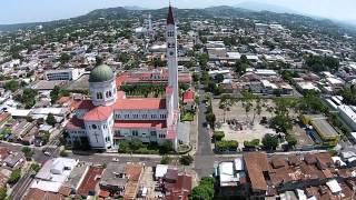 San Salvador, una vista aérea del Drone LPG