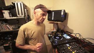 PIONEER DJM-450 IS A 4 CHANNEL MIXER  FACT! VIDEO BY ELLASKINS THE DJ TUTOR